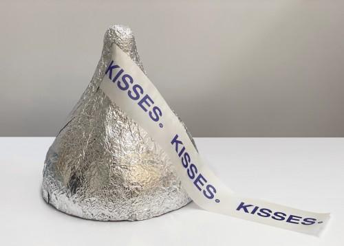 - Kisses